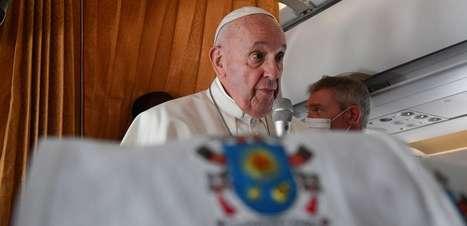 """Papa diz que aborto é """"assassinato"""", mas que bispos dos EUA não devem politizar o assunto"""