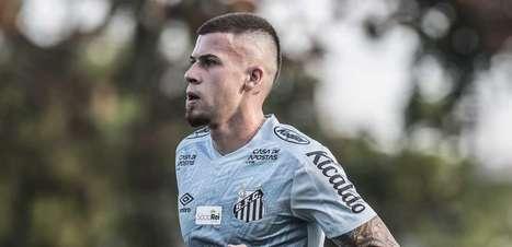 Carille elogia Jobson e espera contar com o volante em breve no Santos