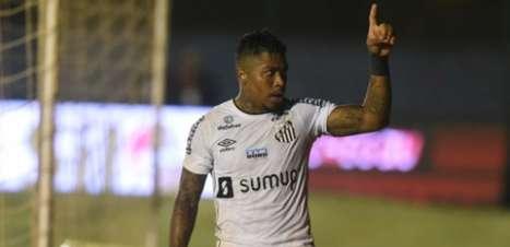 Gerente do Santos deixa futuro do atacante Marinho em aberto
