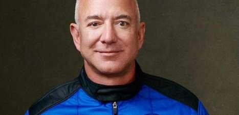 Jeff Bezos é mais uma vez a pessoa mais rica do mundo, mesmo com queda nas ações da Amazon
