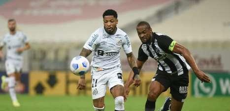 Danilo Boza lamenta mais um jogo sem vitória do Santos, mas defende Marinho