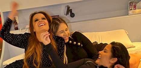 Marília Mendonça e a dupla Maiara e Maraísa lançam novo single em motel