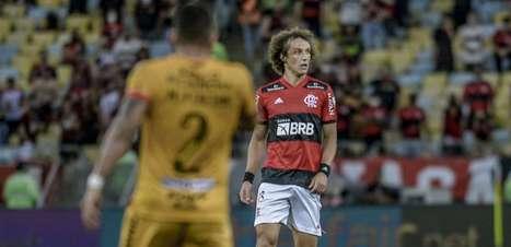 """David Luiz comemora estreia pelo Flamengo: """"Dia especial"""""""