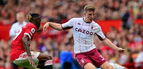 Manchester United é surpreendido e perde em casa para o Aston Villa