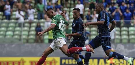 Cruzeiro leva a virada no 2º tempo e perde para o CSA