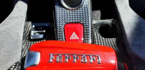 Ferrari e Exor firmam acordo com Jony Ive para projetos de luxo