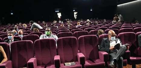 Comitê italiano recomenda aumentar público em estádios, cinemas e teatros