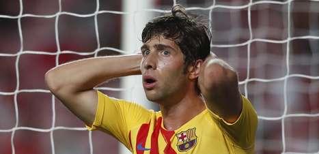 Barça leva 3 do Benfica e segue sem pontuar; Bayern atropela