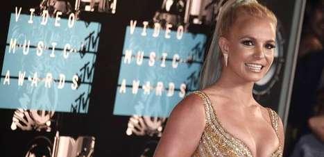 Pai de Britney Spears é oficialmente suspenso da tutela da filha