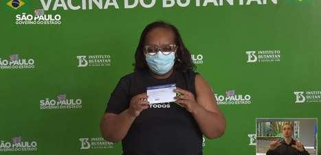 Governo de SP avalia liberação de uso de máscaras ao ar livre