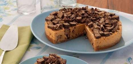 Torta de wafer recheado fácil e deliciosa