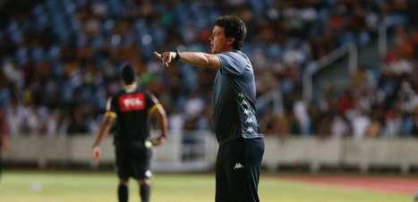 Diniz explica substituição e diz que o Vasco se descuidou no gol do Sampaio Corrêa: 'Eles foram mais eficientes'