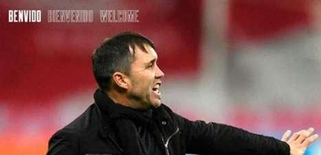 Entenda por que torcedores do Internacional pedem a demissão de Coudet, técnico do Celta de Vigo