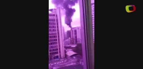 Leitor filma incêndio em prédio comercial de São Paulo