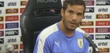 Após discussão, volante uruguaio descarta rixa com Neymar