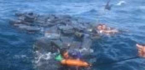 Náufragos se salvam boiando em pacotes de cocaína no Pacífico
