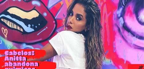 Cabelos: Anitta abandona química alisadora na quarentena