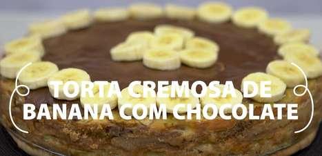 Torta cremosa de banana com chocolate
