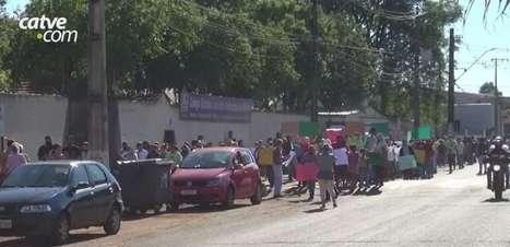 Moradores da Ocupação Bubas fazem passeata para participar de audiência