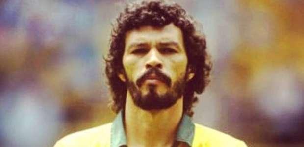 """Cantona cita Sócrates e critica Neymar: """"sem mais trapaças"""""""