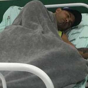 Goleiro Bruno e mais 19 do Rio Branco são internados no PA