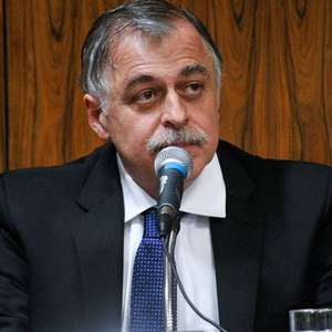 Ex-diretor da Petrobras ganha direito a sair de casa de dia