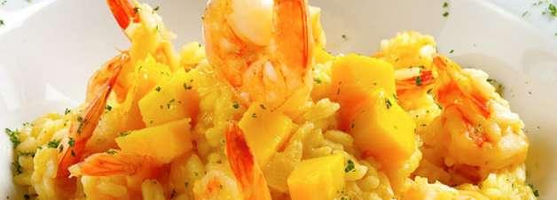 Risoto de camarões com manga