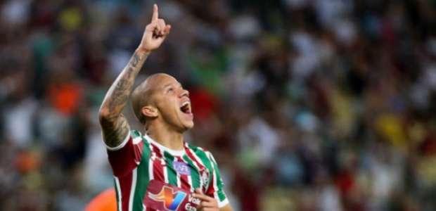 Flu vence o Atlético-PR em casa e entra no G-6 do Brasileiro