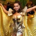 Camila Queiroz é coroada rainha do Baile do Copa