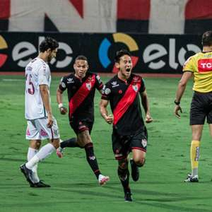 Flu sofre gol nos acréscimos e cai para o Atlético-GO