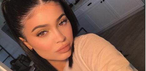 Kylie Jenner traz as maria-chiquinhas de volta