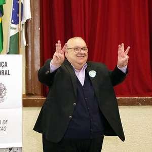 Prefeito de Curitiba, Rafael Greca é internado com covid-19