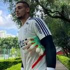 São Paulo afasta goleiro e aplica multa por indisciplina