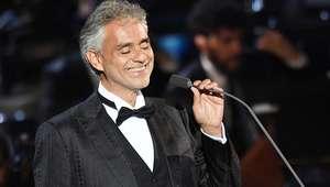 Tenor Andrea Bocelli tranquiliza fãs após cair de cavalo