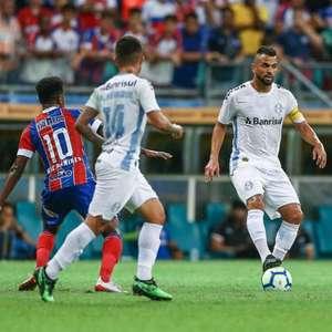 Alisson brilha, Grêmio bate o Bahia e garante vaga na semi
