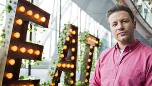 Tras su poémica paella, Jamie Oliver la lía con los ...