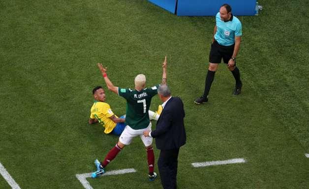 """""""Vá fazer outra coisa"""", diz Layún sobre Neymar"""