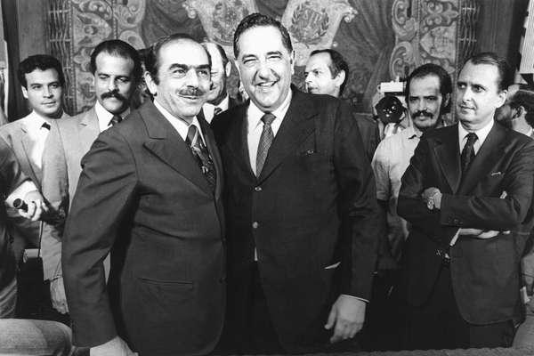 Foto de 1982, com o já experiente deputado Antônio Salim Curiati posando ao lado do então prefeito de São Paulo Reynaldo de Barros, a quem sucedeu