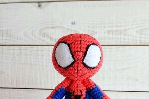 Homem Aranha de Crochê Boneco - Homem Aranha Inspiração - YouTube | 400x600