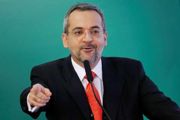 Ministro da Educação, Abraham Weintraub, no Palácio do Planalto 09/04/2019 REUTERS/Adriano Machado