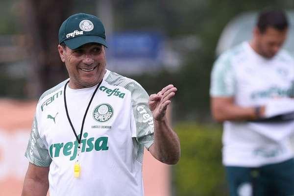 Treinador pretende, ainda, iniciar parte tática nesta semana (Foto: Cesar Greco)