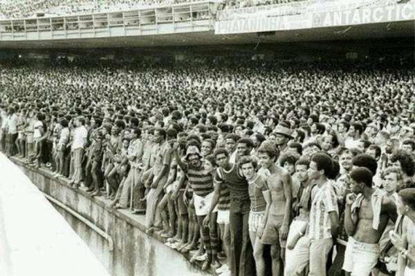 Geral do Maracanã era um símbolo histórico da cultura do esporte no Brasil (Foto: Reprodução)