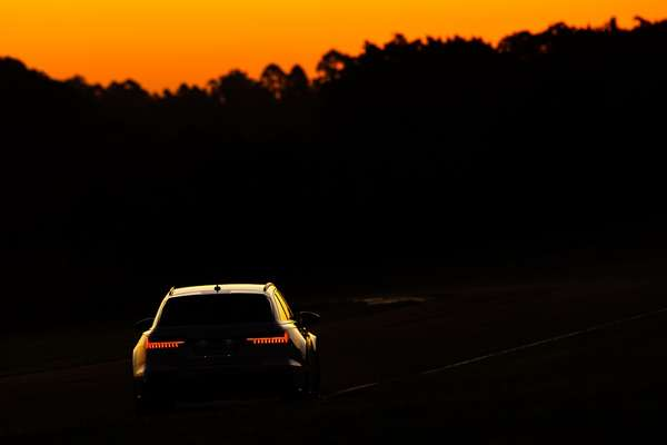 Audi RS 6 Avant in the early evening at the Fazenda Capuava circuit (SP).