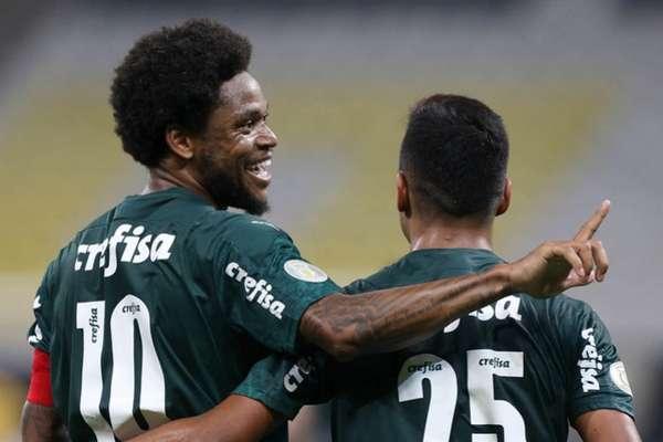 Luiz Adriano marcou um dos gols na vitória por 2 a 0 sobre o Corinthians (Foto: Cesar Greco/Palmeiras)