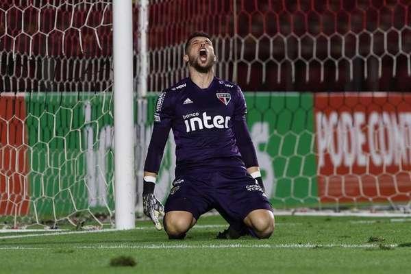Tiago Volpi é o primeiro goleiro a se firmar na meta são-paulina após a aposentadoria de Rogério Ceni (Rubens Chiri/ São Paulo)
