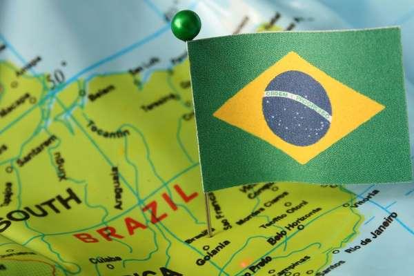 O presidente Jair Bolsonaro afirmou nesta sexta (13) que segunda onda de covid no Brasil é uma 'conversinha'
