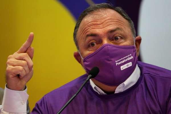 O ministro da Saúde, Eduardo Pazuello, durante coletiva de imprensa