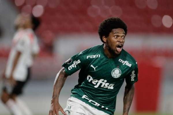 Luiz Adriano se tornou artilheiro do Palmeiras no ano, com 18 gols (Foto: Cesar Greco/Palmeiras)