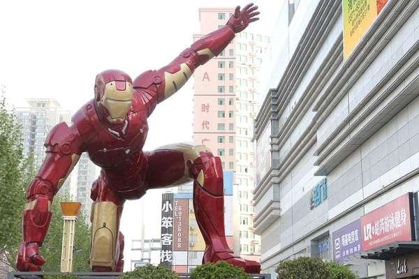 Ator Robert Downey Jr teria se inspirado em Musk para interpretar Homem de Ferro nos cinemas