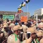 Manifestantes protestam contra impeachment em revezamento